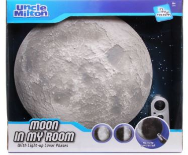 moon-in-my-room-boxed