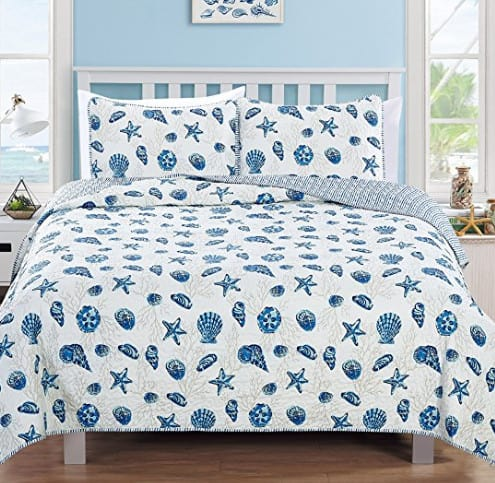 beach themed bed set, with shells.